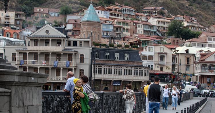 """موسسه OECDT، گرجستان را به عنوان """"کشور مدل"""" در حوزه ی حمایت از کسب و کارهای کوچک تشخیص داده است"""